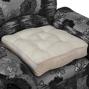 Homescapes Coussin de Chaise ou Réhausseur en imitation velours de 50 x 50 x 10 cm de couleur crème de la marque Homescapes image 0 produit